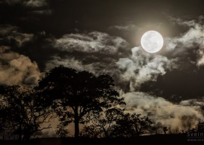20150801-Full moon over Itajuba